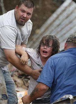 龍捲風災增至91死 列重災區