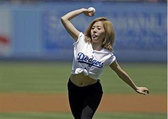 道奇韓國日 少女時代開球