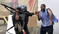 另一種凝視-大國默許埃及的槍桿子出政權