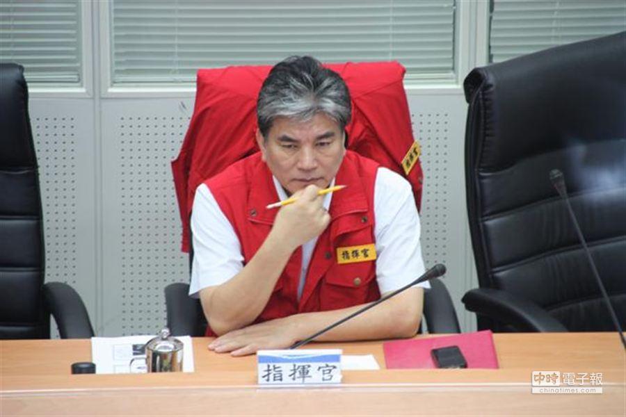 輕颱康芮來襲,內政部長李鴻源主持中央災害應變中心第4次工作會報。(葉書宏攝)