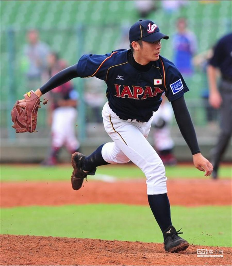 日本隊先發投手松井裕樹主投8局,只讓中華隊得到1分。(黃國峰攝)