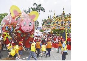 客家文化豐富多元,每年義民文化祭,都吸引大批民眾同樂。(本報資料照片/陳育賢攝)