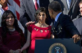 歐巴馬扶暈倒孕婦 排演過的政治秀?