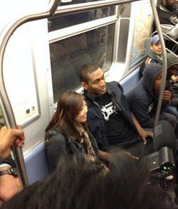 世界和平搭地鐵打開幕戰 表示可因此靜下心
