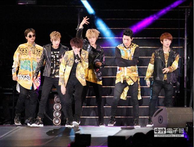 TEEN TOP 亞洲巡迴演唱會,9日南港展覽館開唱。(陳俊吉攝)