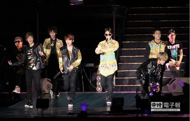 韓嫩男團體TEEN TOP,6位團員平均19歲。(陳俊吉攝)