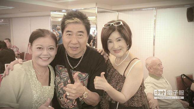 「大目仔」方保琇(左)肝癌病逝,恬娃(右)PO文悼念好友。(圖取自恬娃臉書)