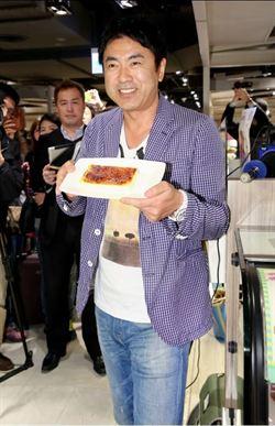 田中義剛跨海親手示範「焦糖烤布蕾」