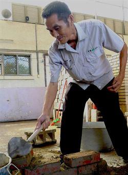 58歲身障失業老蕭考上6證照 開創人生新路
