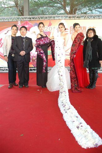 台中蘭花博覽會 人體花藝秀吸睛