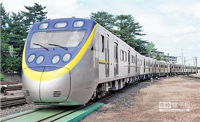 因應花東鐵路電氣化、鐵路捷運化等施工人力需求,台鐵明年可望維持近年的招募員額,持續開缺至少600餘名。(圖/1111人力銀行通訊社提供)