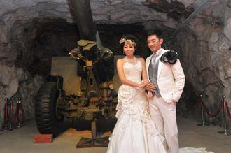 金門坑道婚紗秀、攝影展 視覺震撼