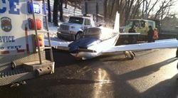 引擎失靈 小飛機順利迫降紐約鬧區