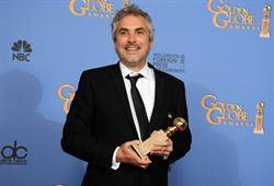 艾方索柯朗以地心引力獲金球獎最佳導演獎