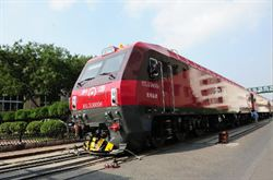陸新型火車頭 時速可達160km