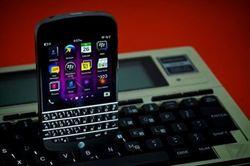 黑莓CEO:下一代黑莓機將回歸實體鍵盤