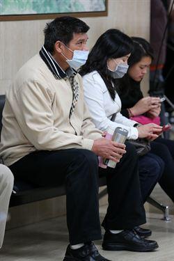 流感高峰 上周逾10萬人掛病號