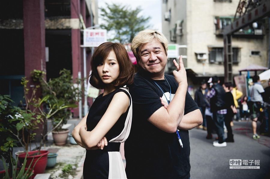 陳意涵(左)和導演瞿友寧曾合作電視劇《小時代》。(氧氣公司提供)