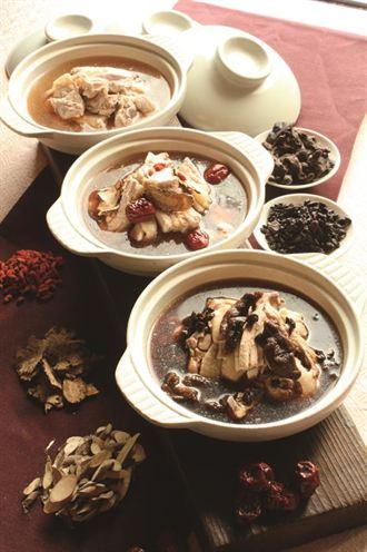 冬季進補 台北花園推古早燉補雞湯美食節