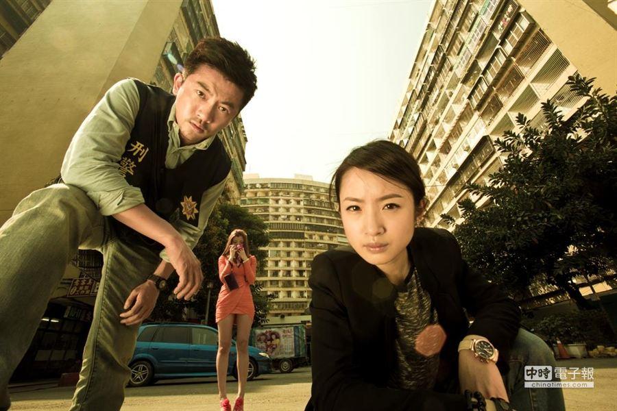 由蘇有朋(左)、林依晨主演的《甜蜜殺機》,爆發文化部索取免費電影票爭議。(本報系資料照片)