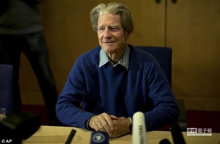 2012年諾貝爾醫學獎得主古爾登日前遭酗酒的兒子施暴,兒子甚至意圖掐死他。(美聯社)