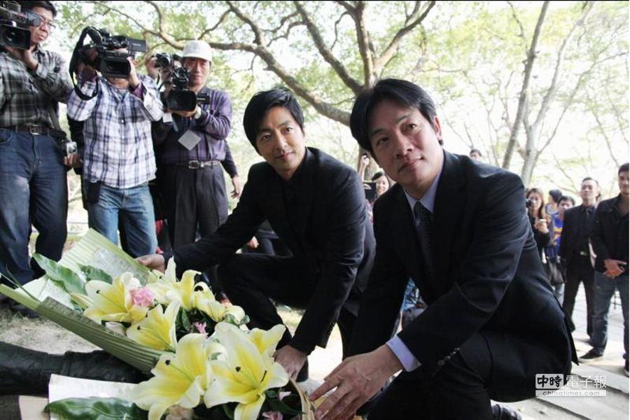 《KANO》返烏山頭水庫拍攝地,大澤隆夫與台南市長賴清德。(威視提供)