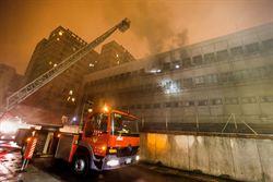 中華電信台北營運處冒火 警消搶救