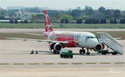 亞航引擎起火返桃機  133旅客驚魂