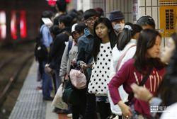 台鐵通車再延誤 估10萬人受影響