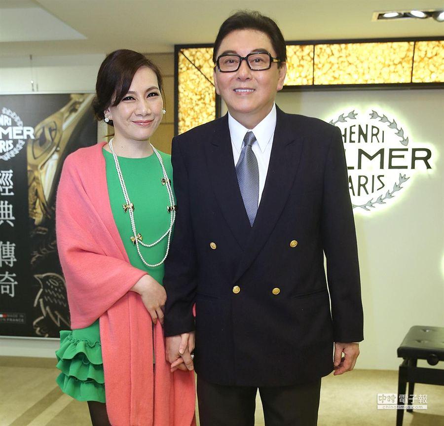 補教名師高國華(右)將因10年前的炒股案入監服刑。圖左為其妻陳子璇。(本報系資料照片)