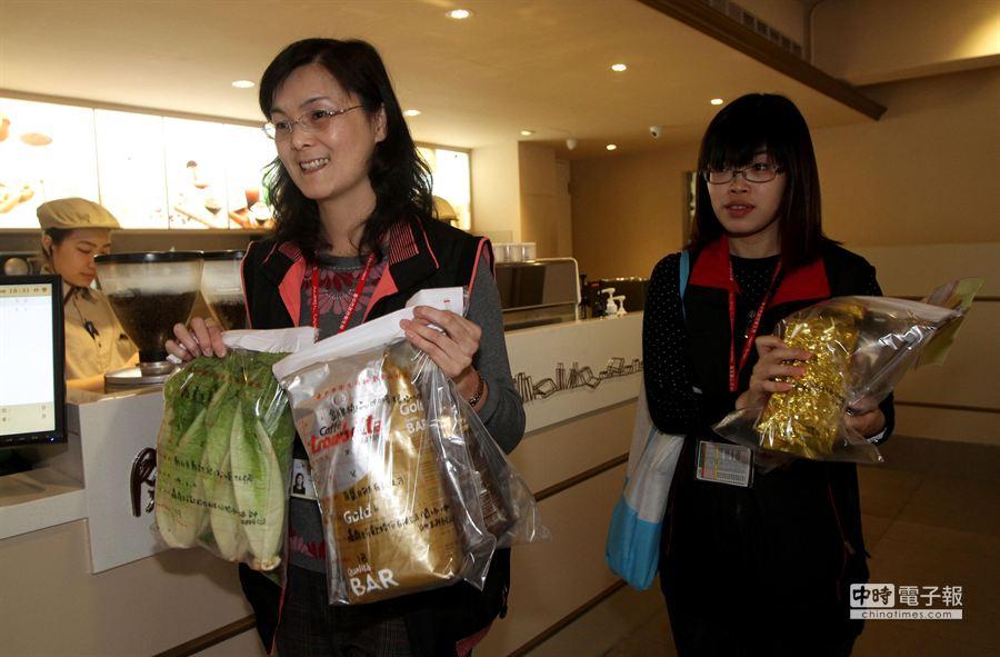 台中市衛生局食品藥物管理科長邱惠慈(左)。(黃國峰攝)