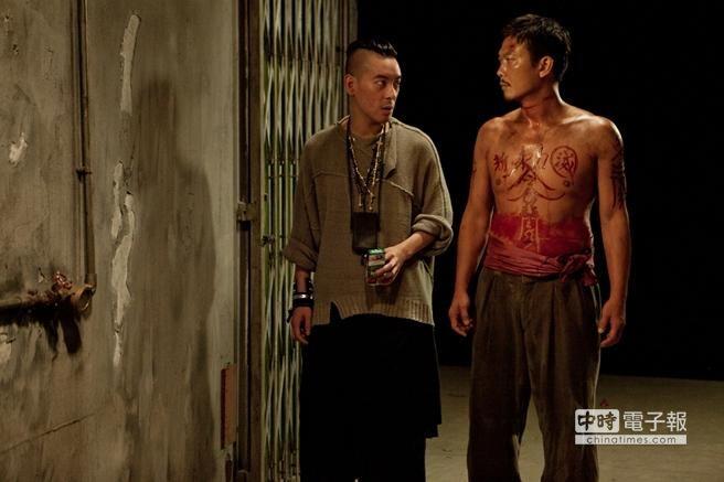 麥浚龍(左)首度執導的電影《殭屍》,叫好又叫座。(翻攝自豆瓣網)