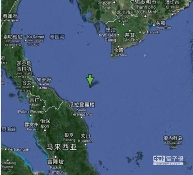 據美國CN報導,一架越南搜救飛機已經在馬來西亞和越南交界海域發現油污和碎片。(取自文匯網)