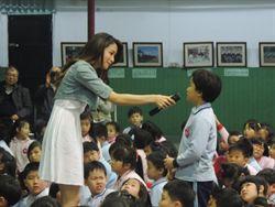 袁詠琳帶小童 遊戲中認識愛奇兒