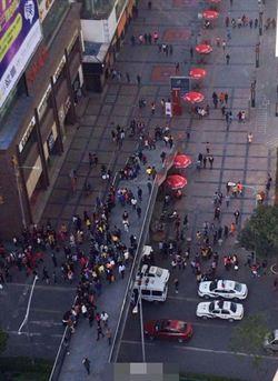 直擊成都街頭騷亂 公安特警全出動