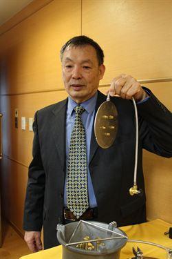 67歲陳雨治 自學發明小型爐心