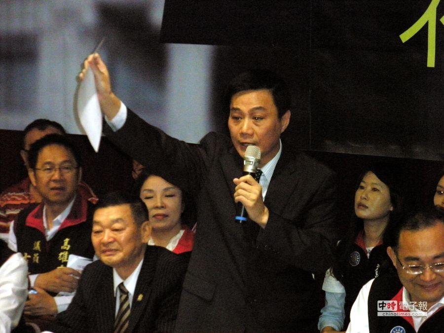 議長許崑源向市長陳菊下戰帖,公開辯論總預算案。(李義攝)