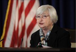 美擬降QE規模、今明年經濟成長 暗示升息
