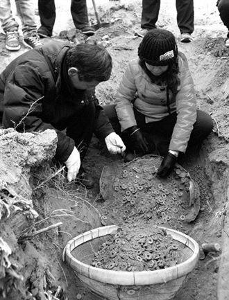 2100年前漢代五銖錢 出土