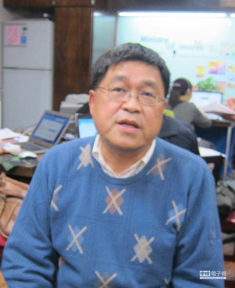 對於學生罷課參與立法院抗議,教育部主任秘書王作台公開表示不妥。(胡清暉攝)