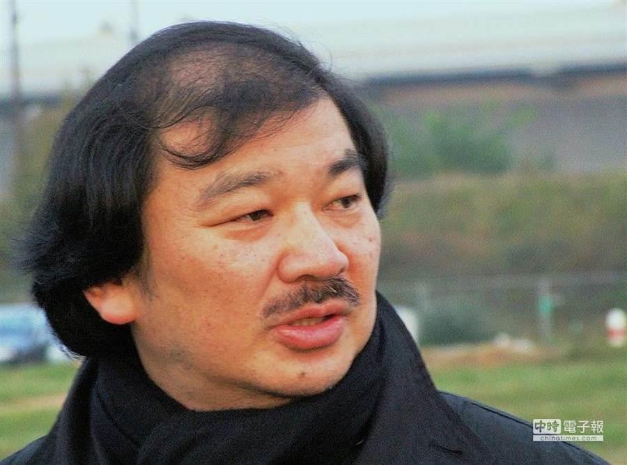 日本建築師坂茂(取自維基百科)