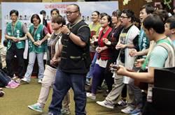 民間團體以音樂為抗議學生打氣