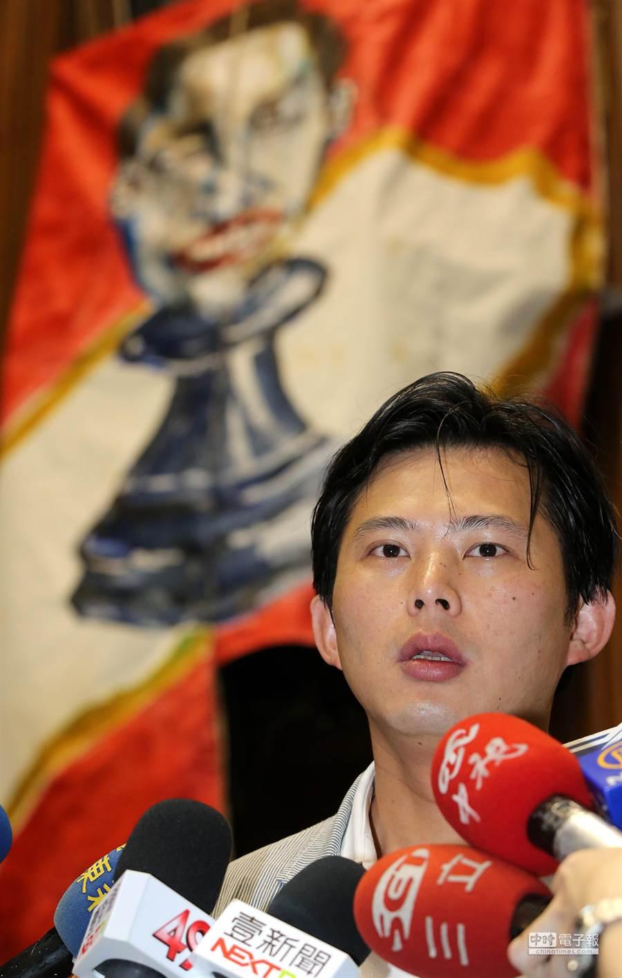 中研院副研究員黃國昌表示26日曾與總統府副秘書長蕭旭岑會面。(王爵暐攝)
