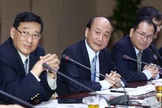 經長:服貿拖下去台灣經濟會垮掉