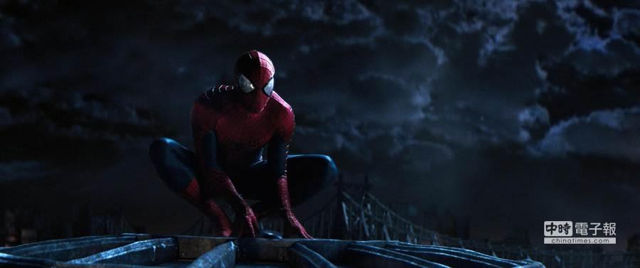 ↑《蜘蛛人驚奇再起2:電光之戰》中竟出現敵對電影公司的片尾彩蛋,讓粉絲抓破頭想不透。(索尼提供)