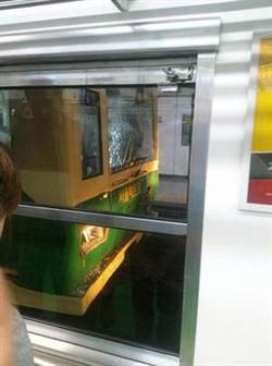 首爾地鐵追撞 200乘客受傷