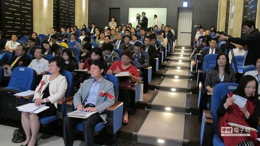 「台中州廳」都更案昨日舉辦招商會,吸引大批開發商、百貨業與觀光飯店業者的熱烈參與。(圖/曾麗芳)