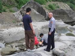 樟湖貝殼化石區溺水多 警方做宣導
