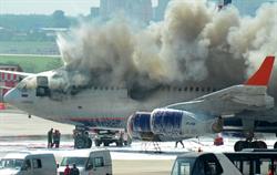 俄自製客機起火 所幸無人傷亡