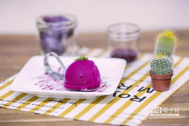 「仙人掌雪酪冰」獨享杯135ml售價95元、家庭號473ml售價280元。(業者提供)